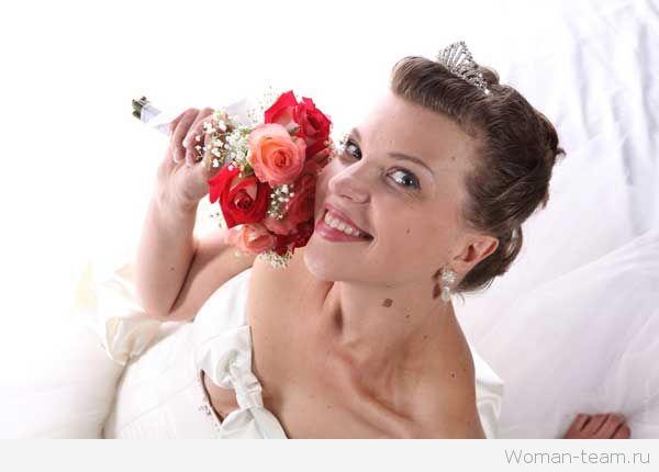 Свадебные прически с челкой 2015