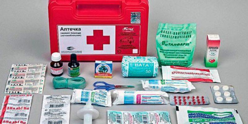 Что должно входить в домашнюю и дорожную аптечку для новорожденного, а также мнение доктора Комаровского