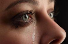 Что делать, если постоянно слезятся глаза у взрослых и детей