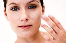Как и какими инструментами правильно наносить тональный крем, как использовать на проблемной коже лица?