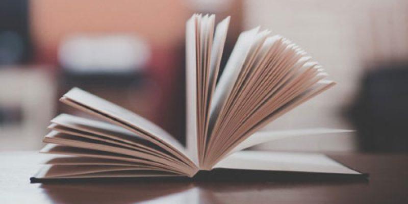 Лучшие современные книги, которые стоит прочитать: подборка самых популярных произведений российских и зарубежных авторов